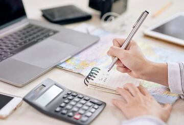 Servicios fiscales por profesionales